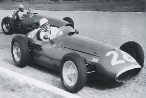 Moss_Maserati - Fangio_Ferrari - 1956