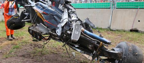 alonso-crash-melbourne-2016