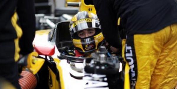 Hungary test: Renault opens door for Robert Kubica